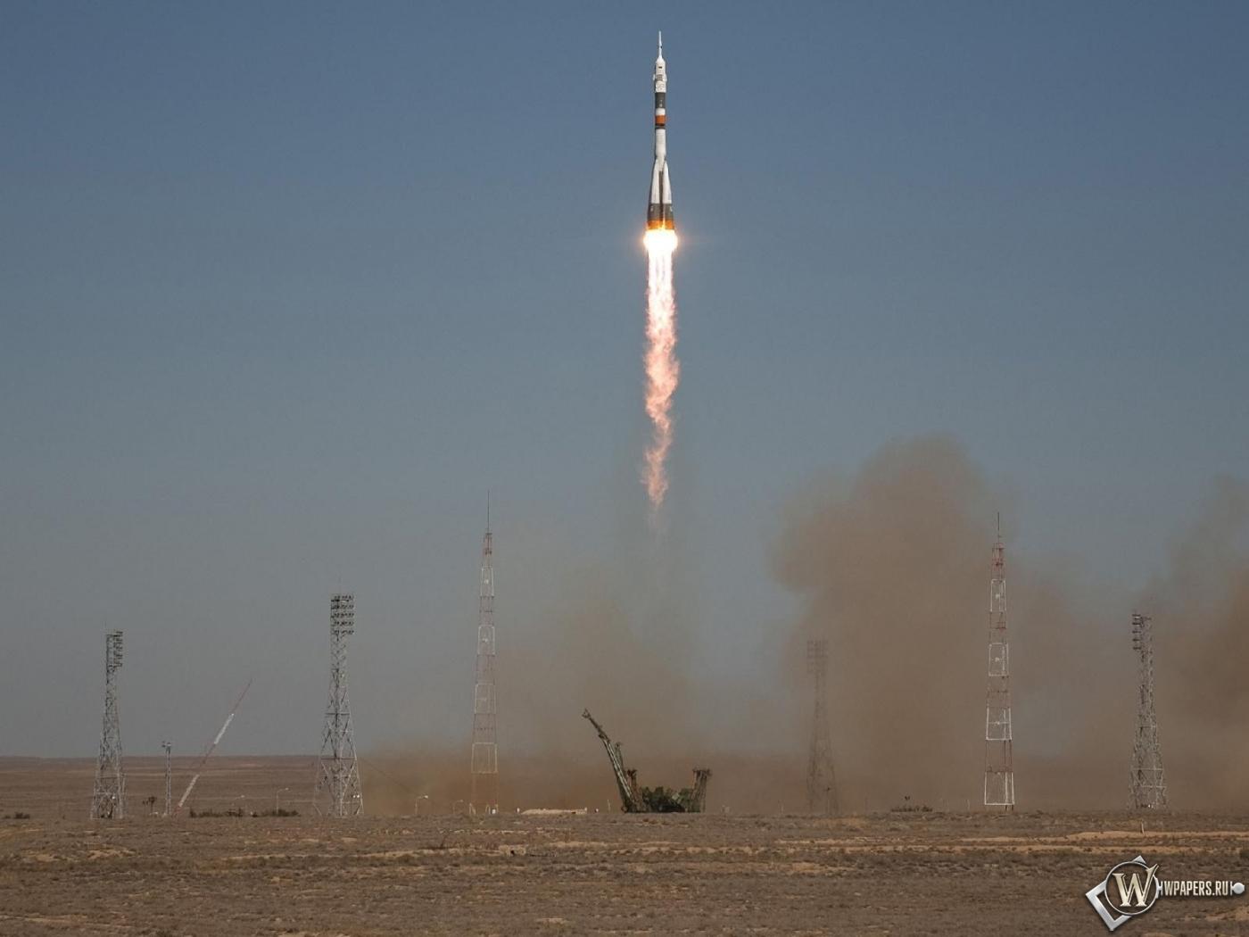Запуск ракеты Союз ТМА-16 1400x1050