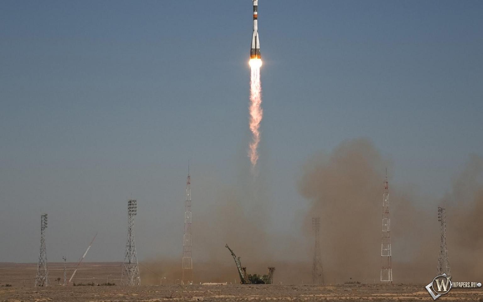 Запуск ракеты Союз ТМА-16 1536x960