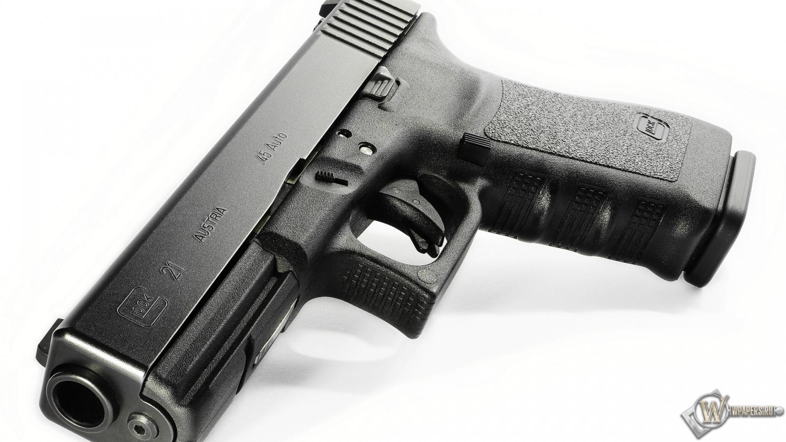 Glock 21 1600x900