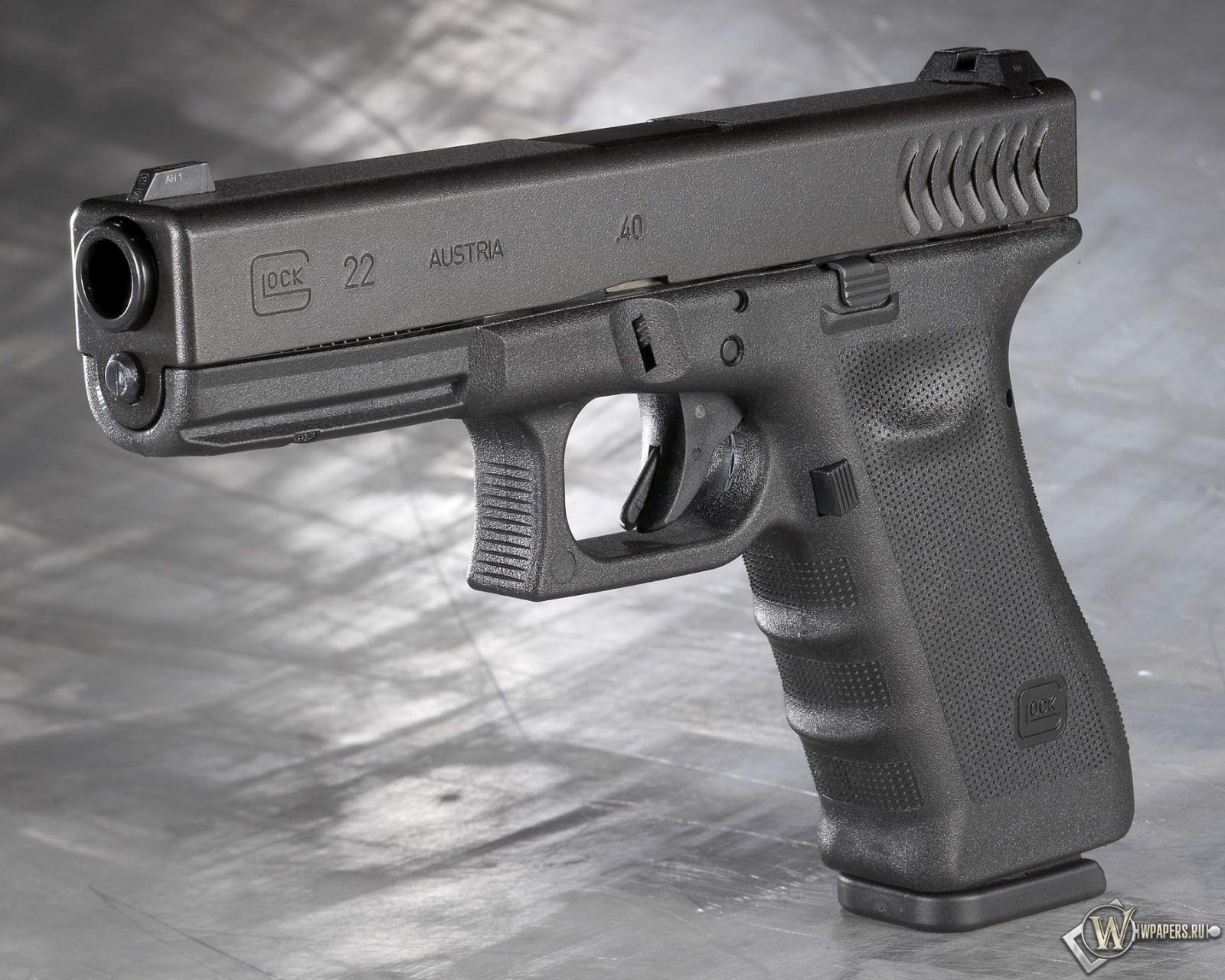 Glock 22 1600x1280