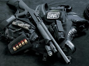 Обои Амуниция SWAT: Дробовик, Амуниция, SWAT, Жилет, Оружие