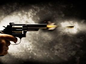 Обои Револьвер: Огонь, Ствол, Пуля, Оружие, Воздух, Оружие
