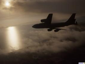 Обои Самолет в облаках: Облака, Солнце, Самолёт, Самолеты