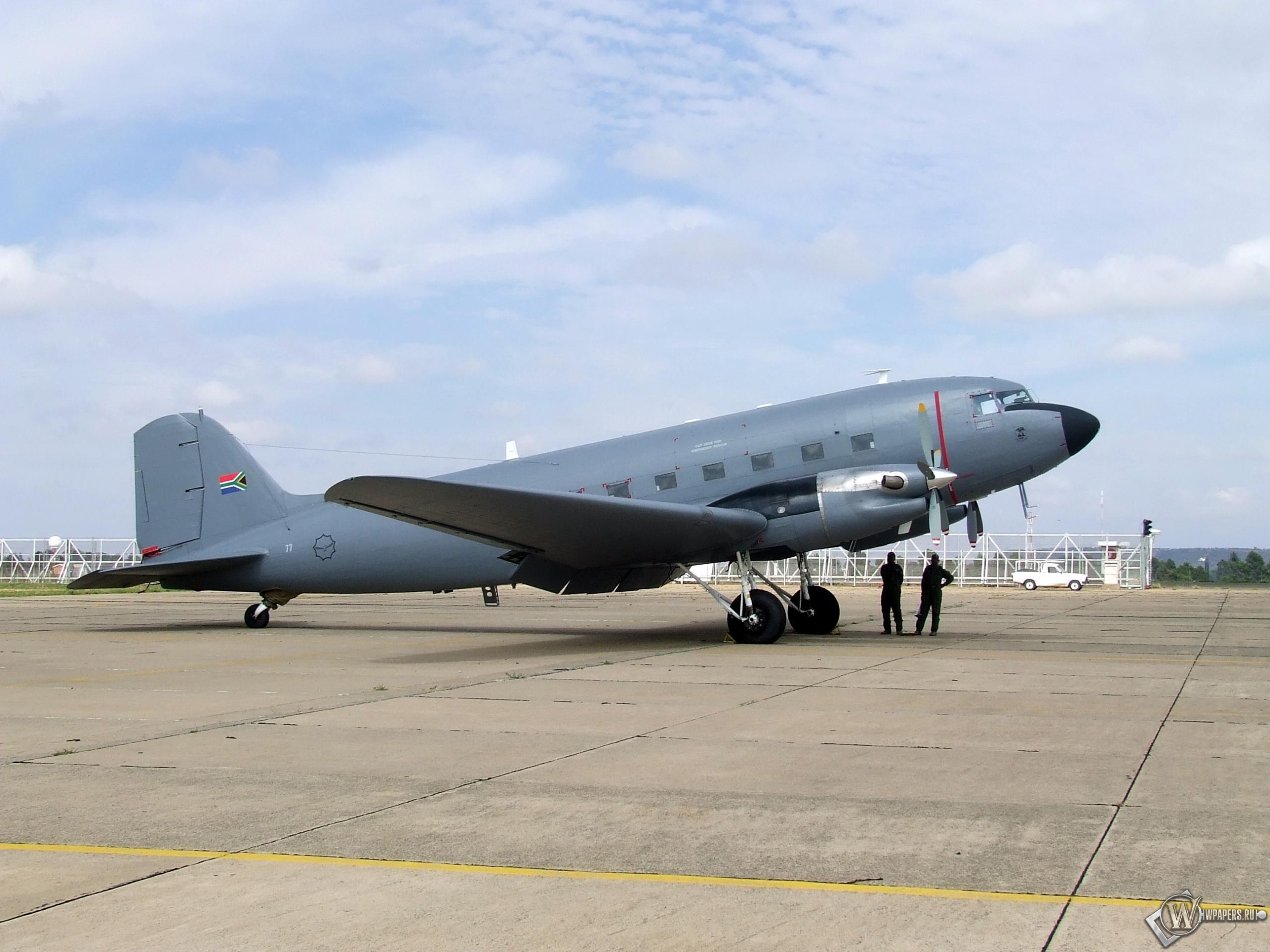 Douglas C-47 2560x1920