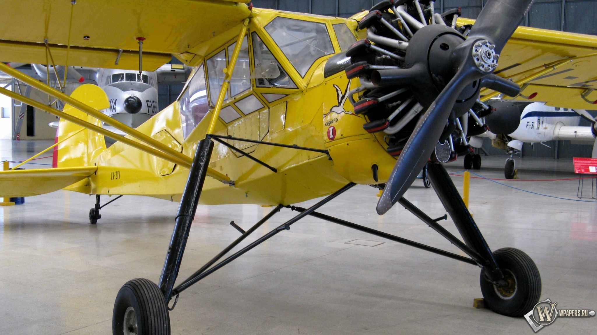 Fieseler Storch Fi-156 2048x1152