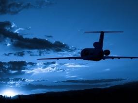 Обои Силуэт самолета в небе: Солнце, Силуэт, Небо, Самолёт, Голубой, Самолеты