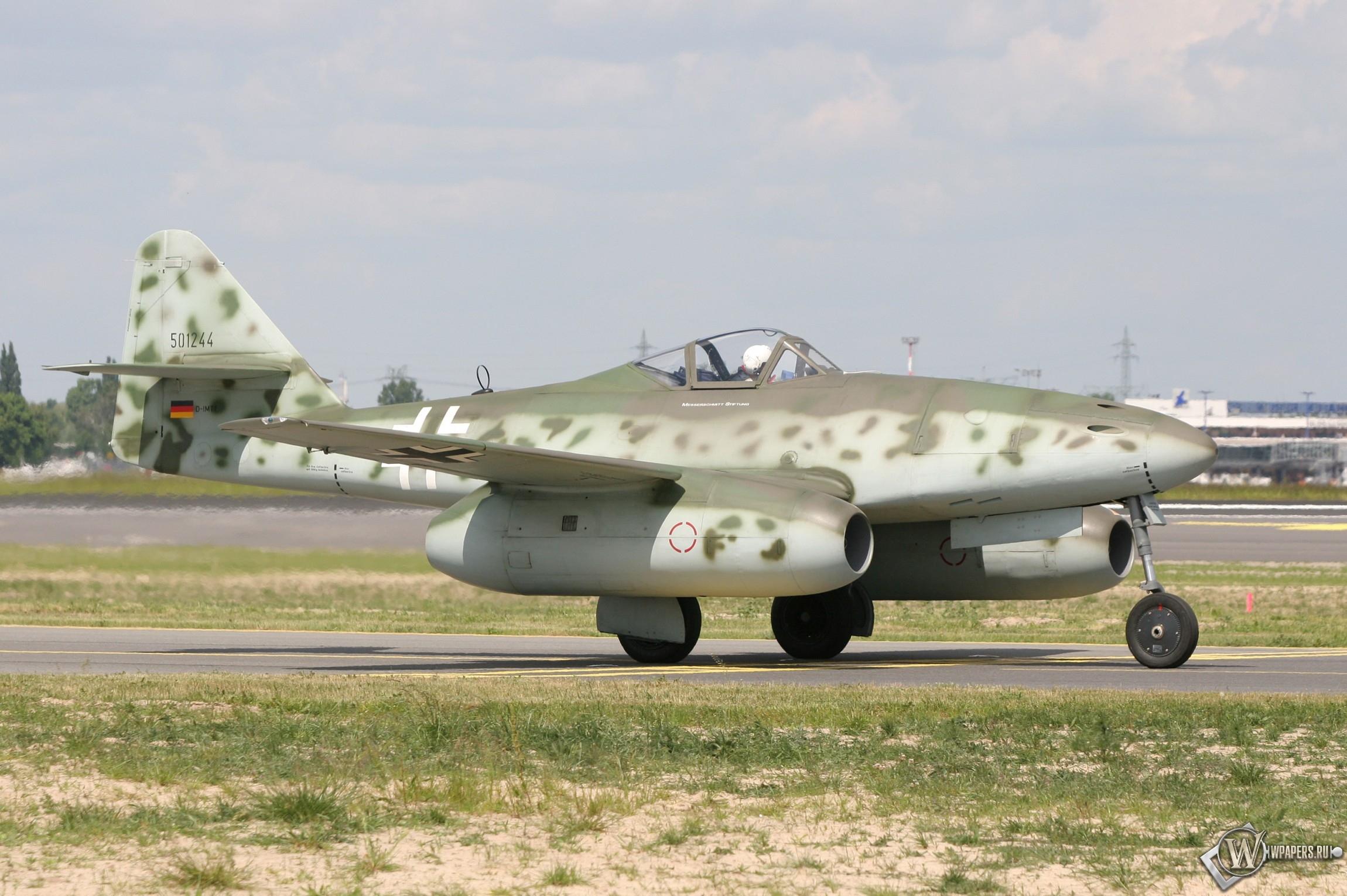Messerschmitt Me 262 2300x1530