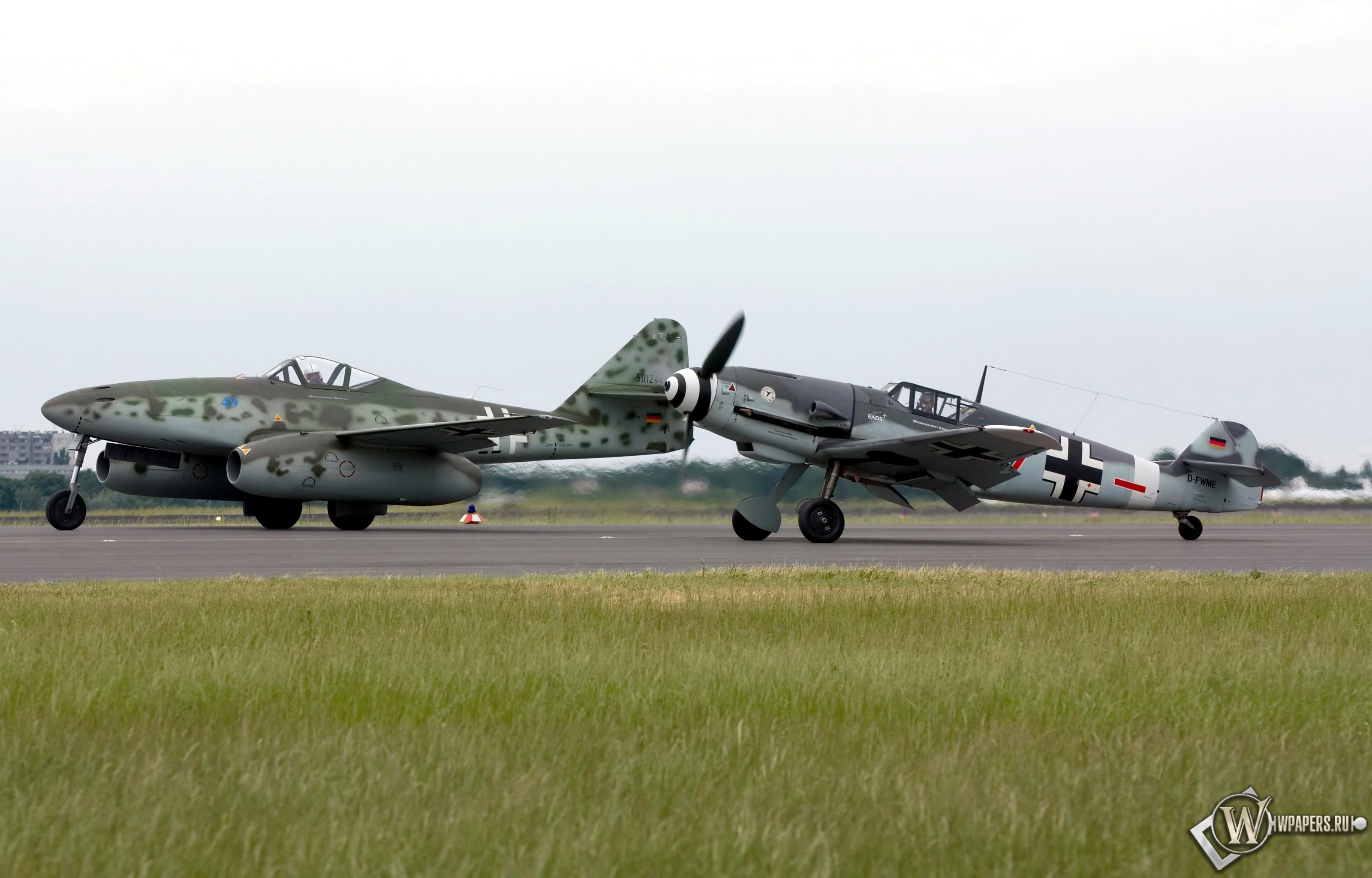 Messerschmitt Me 262 и Bf-109G4 3200x2048