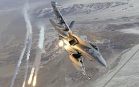 Обои Ea-18g growler: Огонь, Истребитель, F-18, ИК-ловушки, Вспышка, Истребители