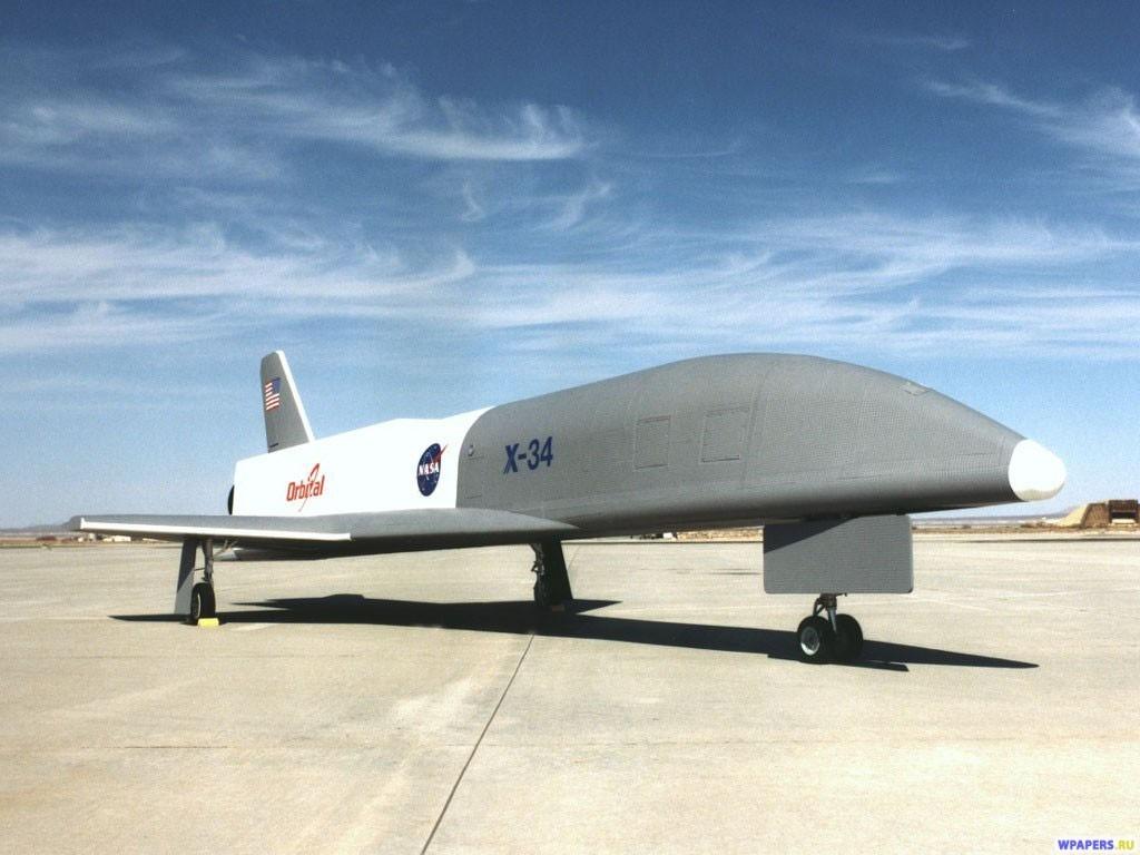 Безпилотный самолет 1024x768