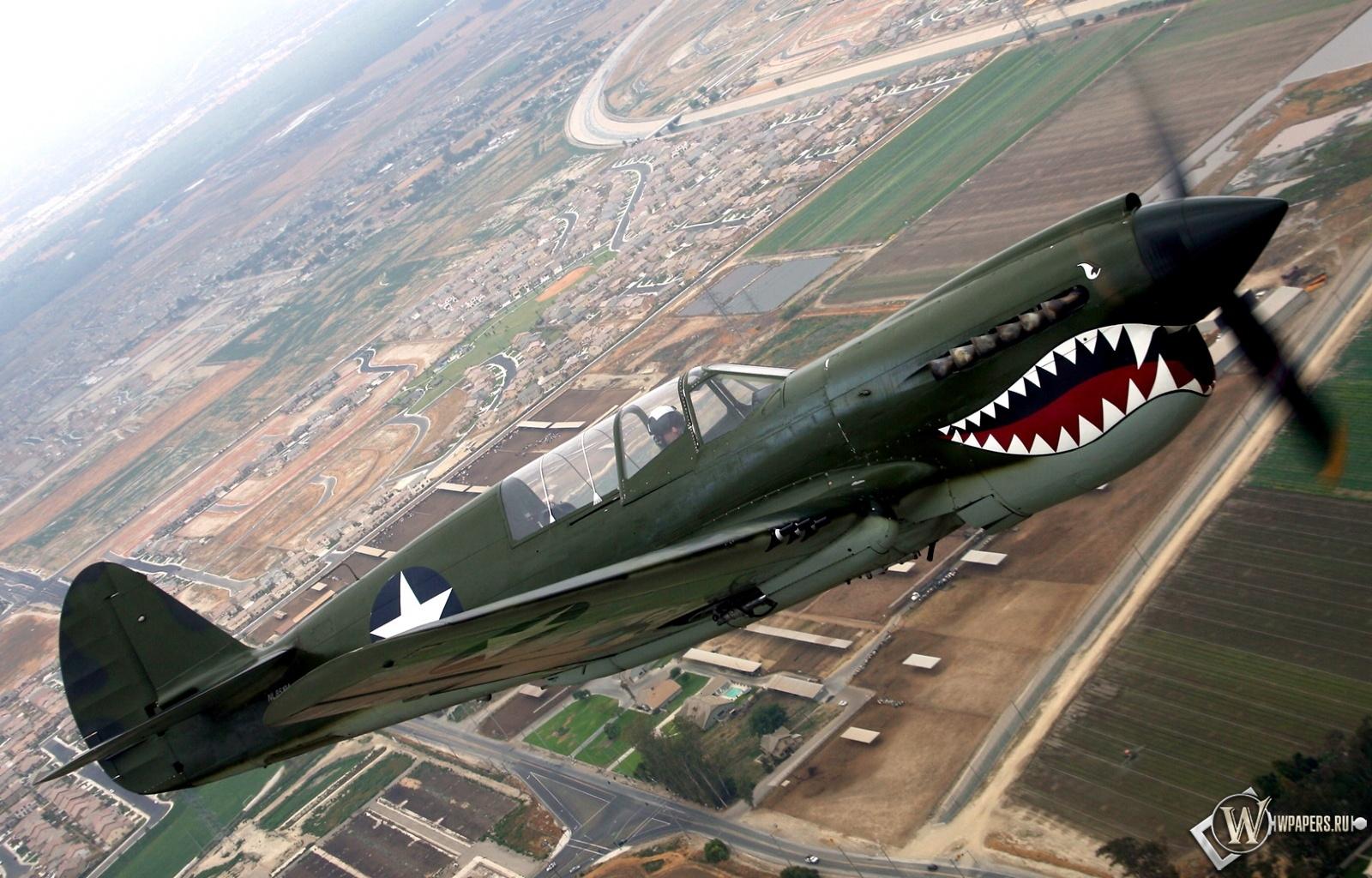 Curtiss P-40 1600x1024