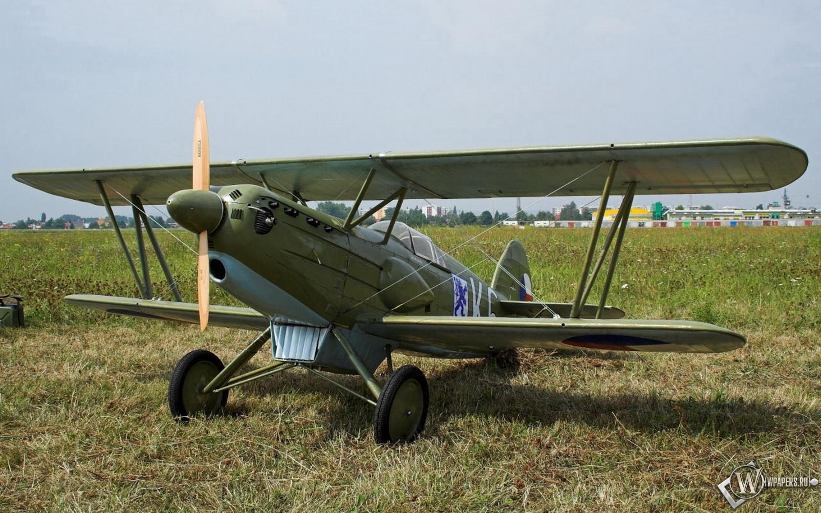 Avia B-534 1680x1050