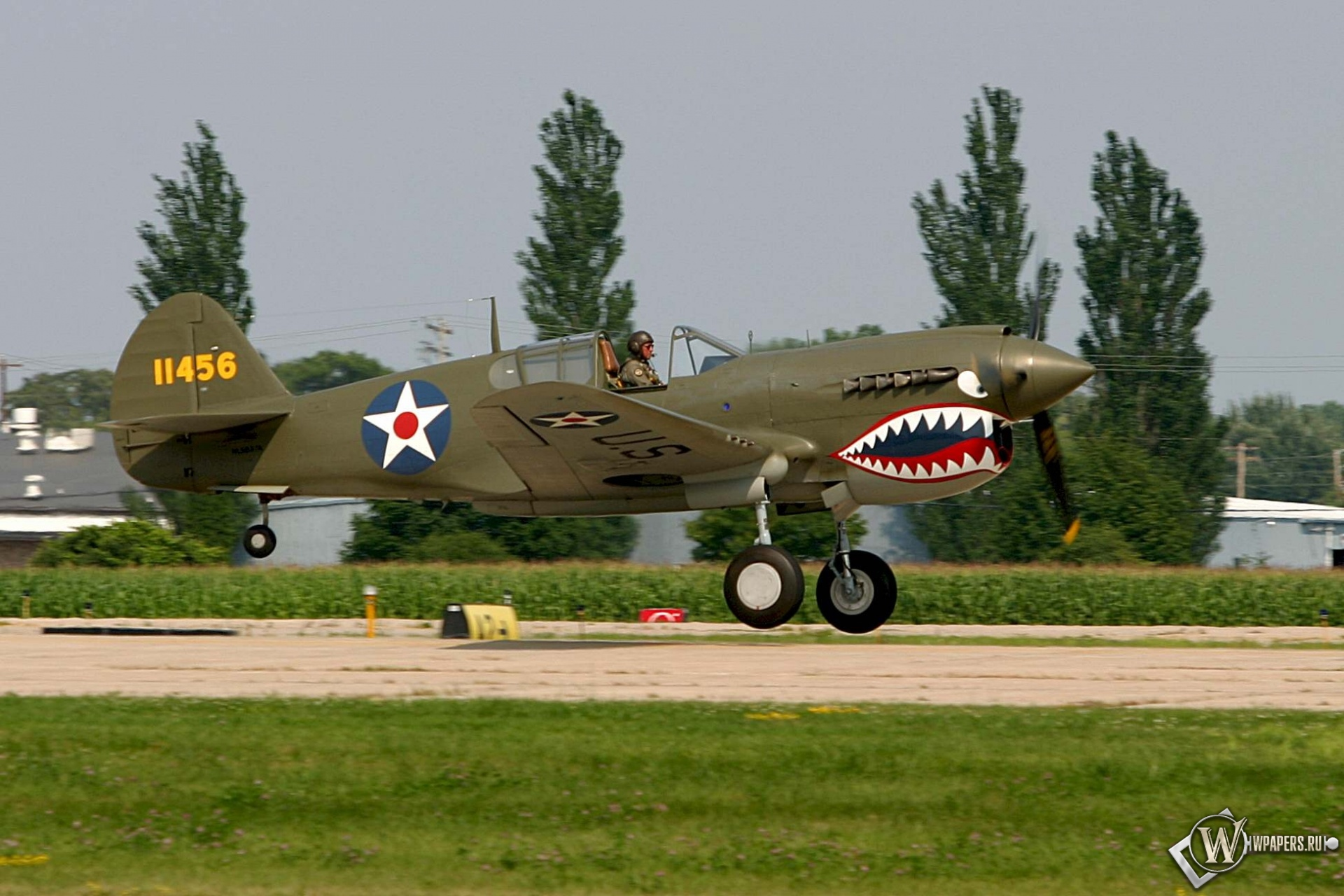 Curtiss P-40 1920x1280