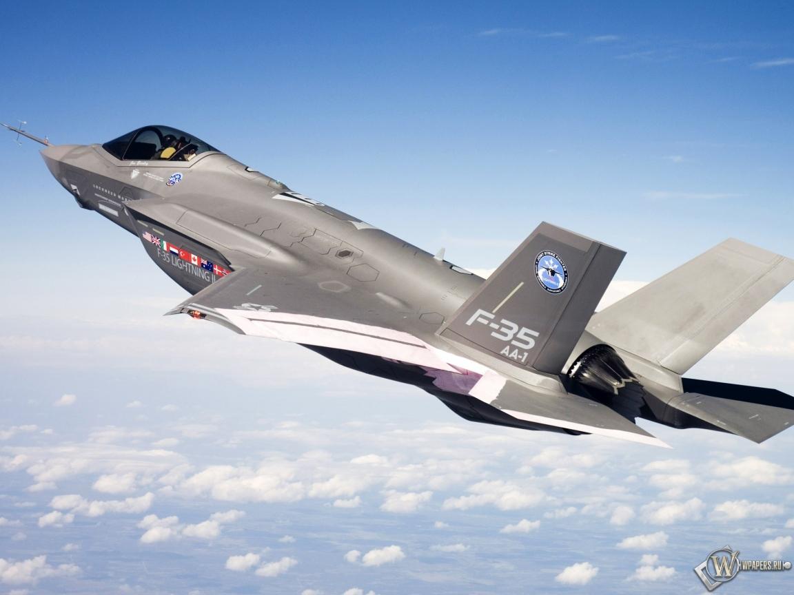 F-35 в полете 1152x864