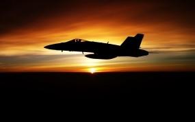 Истребитель на закате