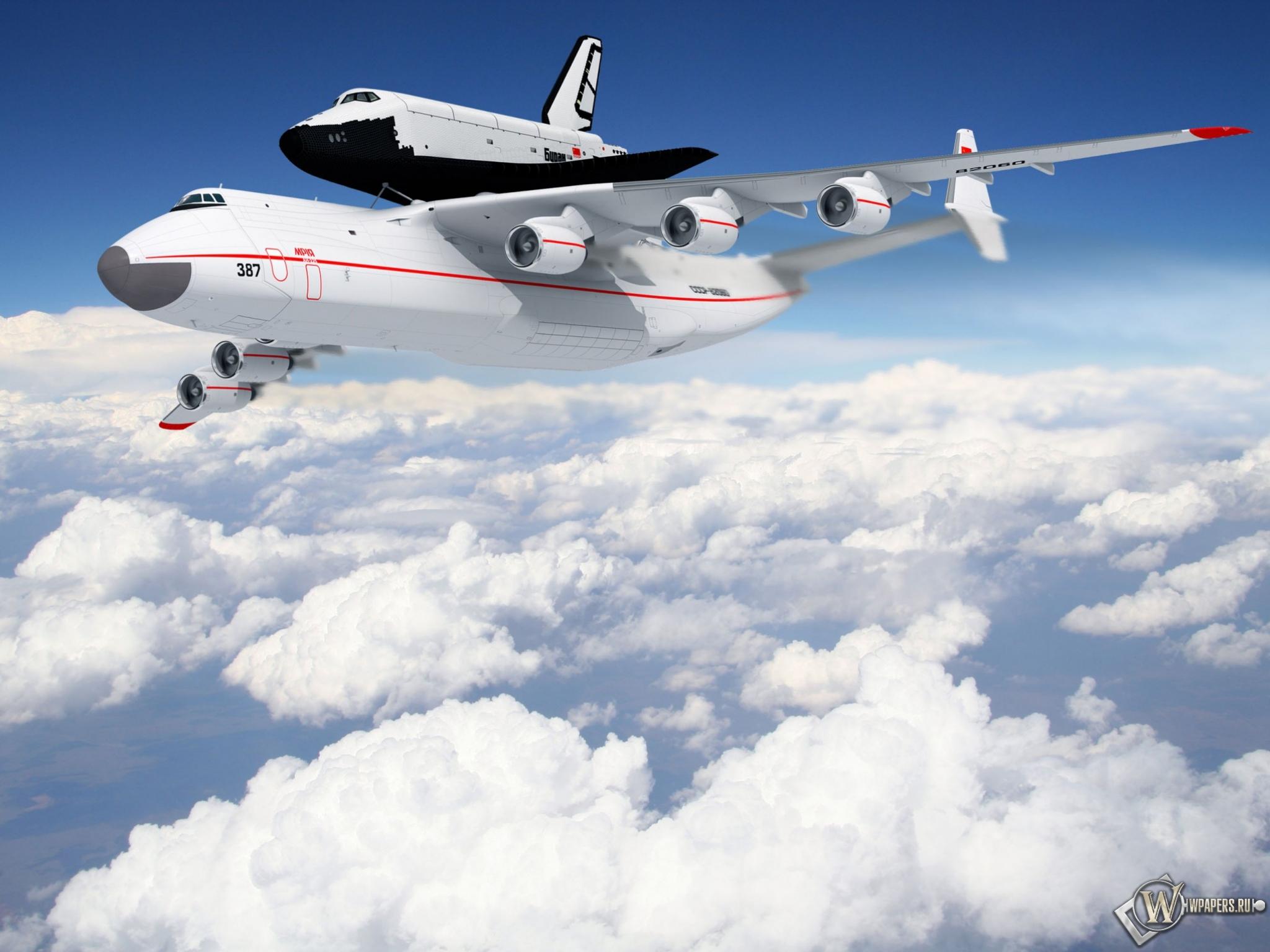 Самолет с челноком 2048x1536