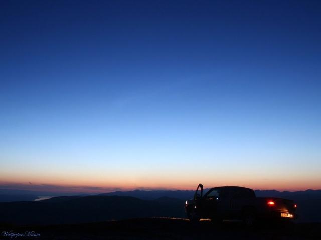 Авто в ночи