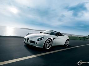 Обои Alfa Romeo 8C Spider несущаяся: Кабриолет, Alfa Romeo 8C, Alfa Romeo