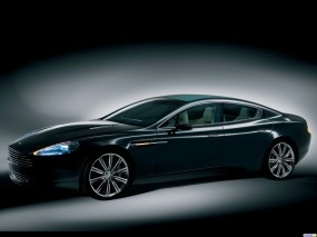 Черный Aston Martin