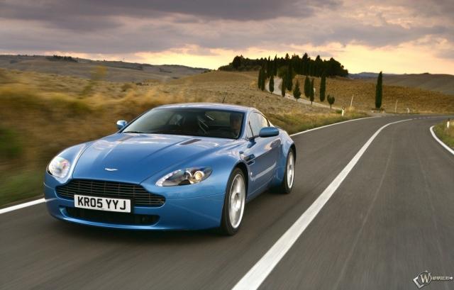 Aston Martin V8 Vantage (2005)