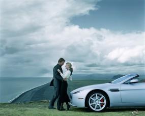 Обои Aston Martin V8 Vantage Roadster (2007): Кабриолет, Aston Martin Vantage, Парочка, Aston Martin
