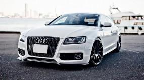 Белая Audi A5 2.0TFSI Sportback