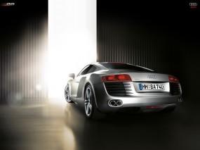 Audi R8 в ангаре
