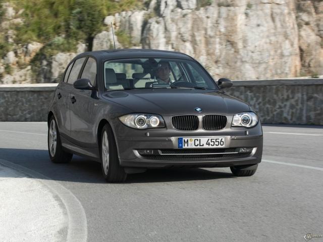 BMW 1 - Series five door (2005)