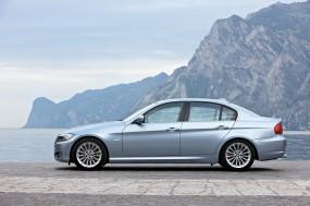 Обои BMW 3 - Series (2009): Серебристая BMW, BMW 3, BMW
