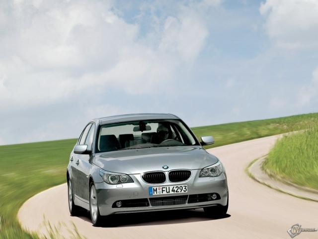 BMW - 5 (2004)
