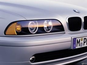 Обои BMW - 5 Series (2001): Фара, BMW 5, Серебристая BMW, BMW