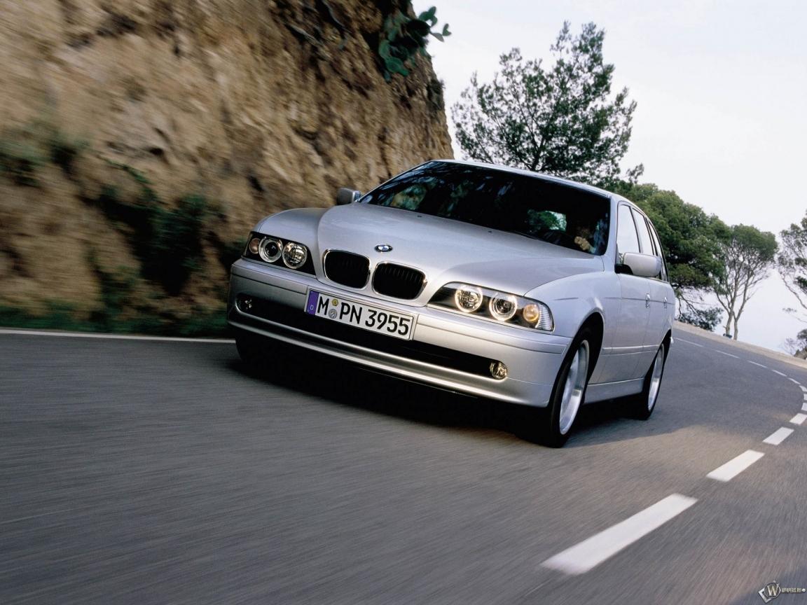 BMW - 5 Series Touring (2001) 1152x864