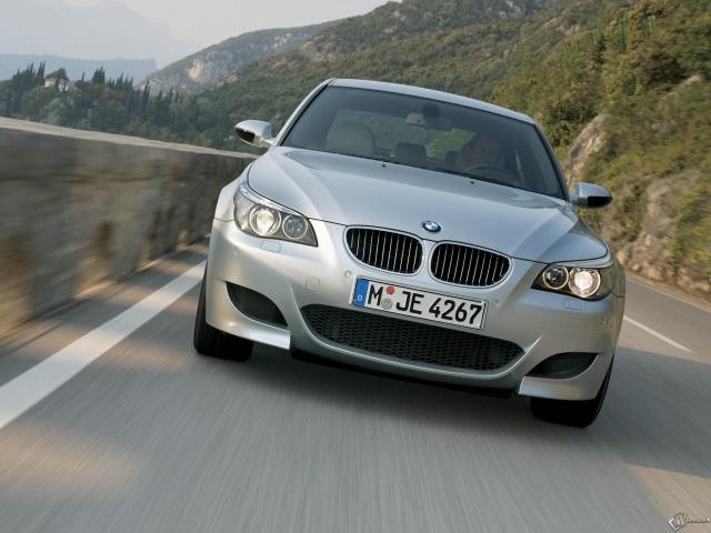BMW - M5 (2005)