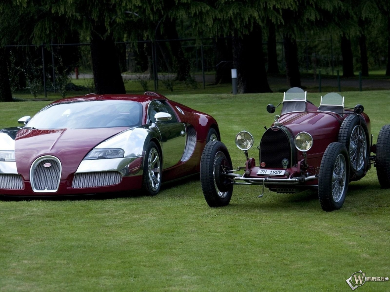 bugatti veyron old and new bugatti veyron. Black Bedroom Furniture Sets. Home Design Ideas