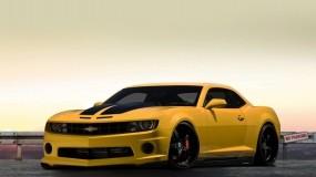 Желтый Chevrolet Camaro