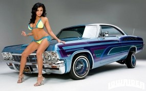 Обои Chevrolet impala 1965 с девкой: Шевроле, Бикини, Chevrolet Impala, Телочка, Лоурайдер, Chevrolet