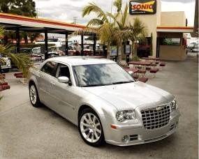 Обои Chrysler 300C SRT-8: Chrysler 300C SRT-8, Chrysler