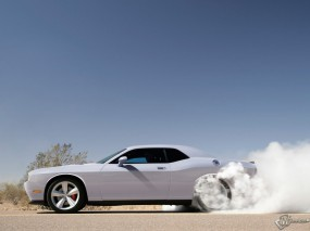 Обои Dodge Challenger SRT8: Дым, Дрифт, Dodge Challenger, Dodge