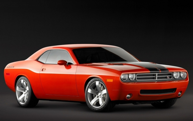 Красный Dodge Challenger