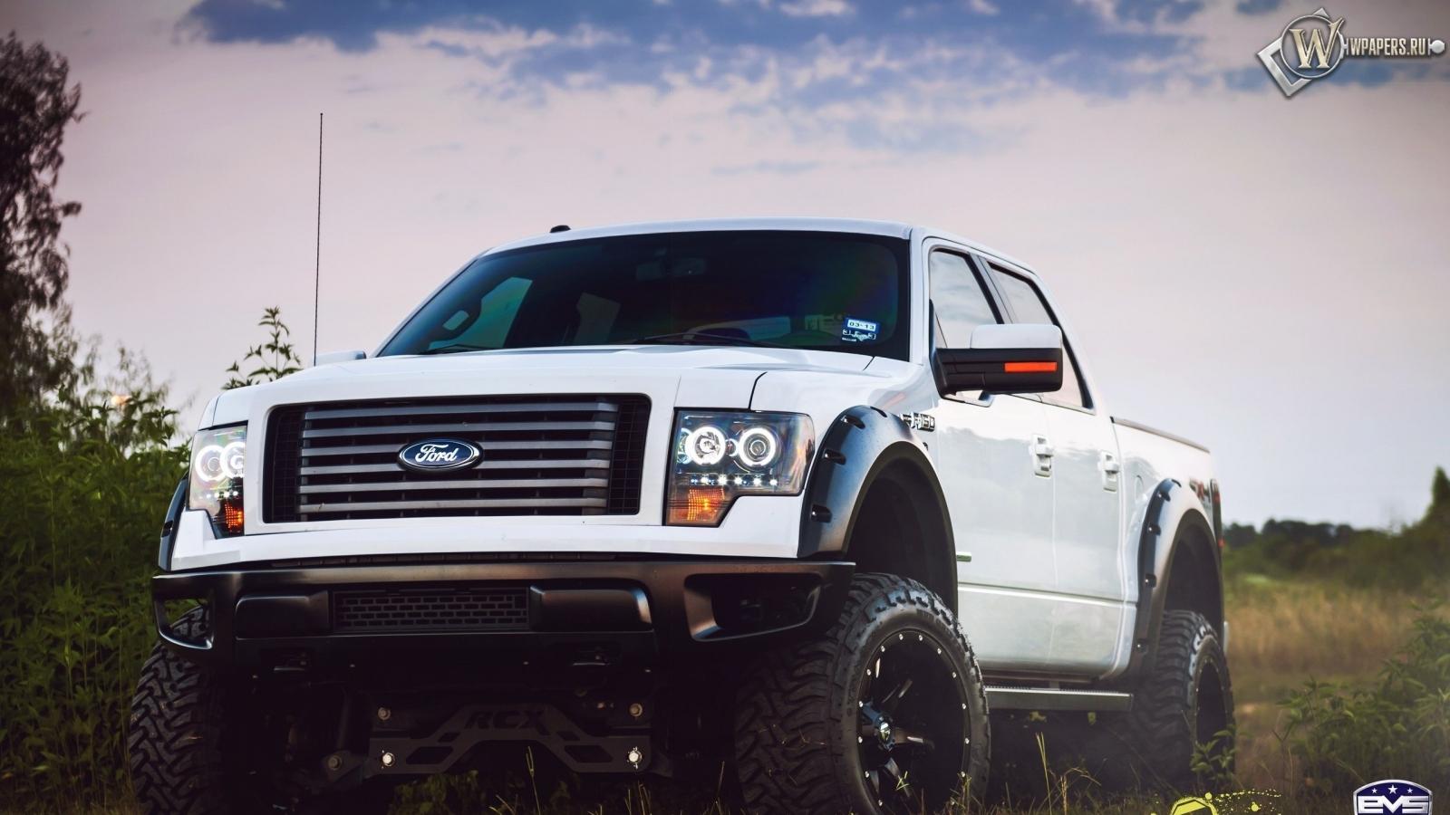 Ford 4х4 1600x900