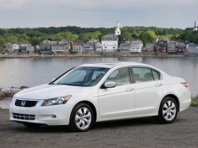 Honda Accord 2.0 MT
