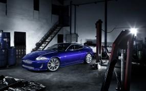 Обои Jaguar XKR: Гараж, Синий, Jaguar XKR, Jaguar