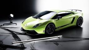 Обои Lamborghini: Зелёный, Lamborghini, Фонарь, Тормозной след, Lamborghini