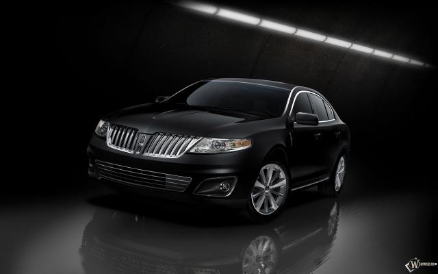 Черный Lincoln MKS