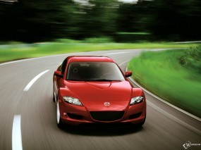 Красная Mazda RX-8