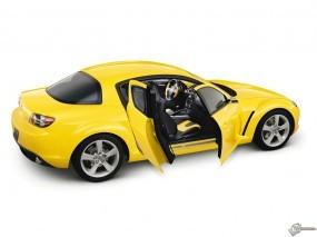 Желтая Mazda RX-8