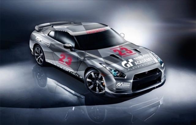 Nissan GT-R GT Academy на зеркальном полу