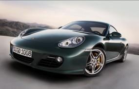 Темно-зеленый Porsche Cayman S