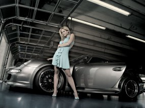 Обои Девушка у порше: Платье, Девушка, Порше, Гараж, Porsche 911, Porsche