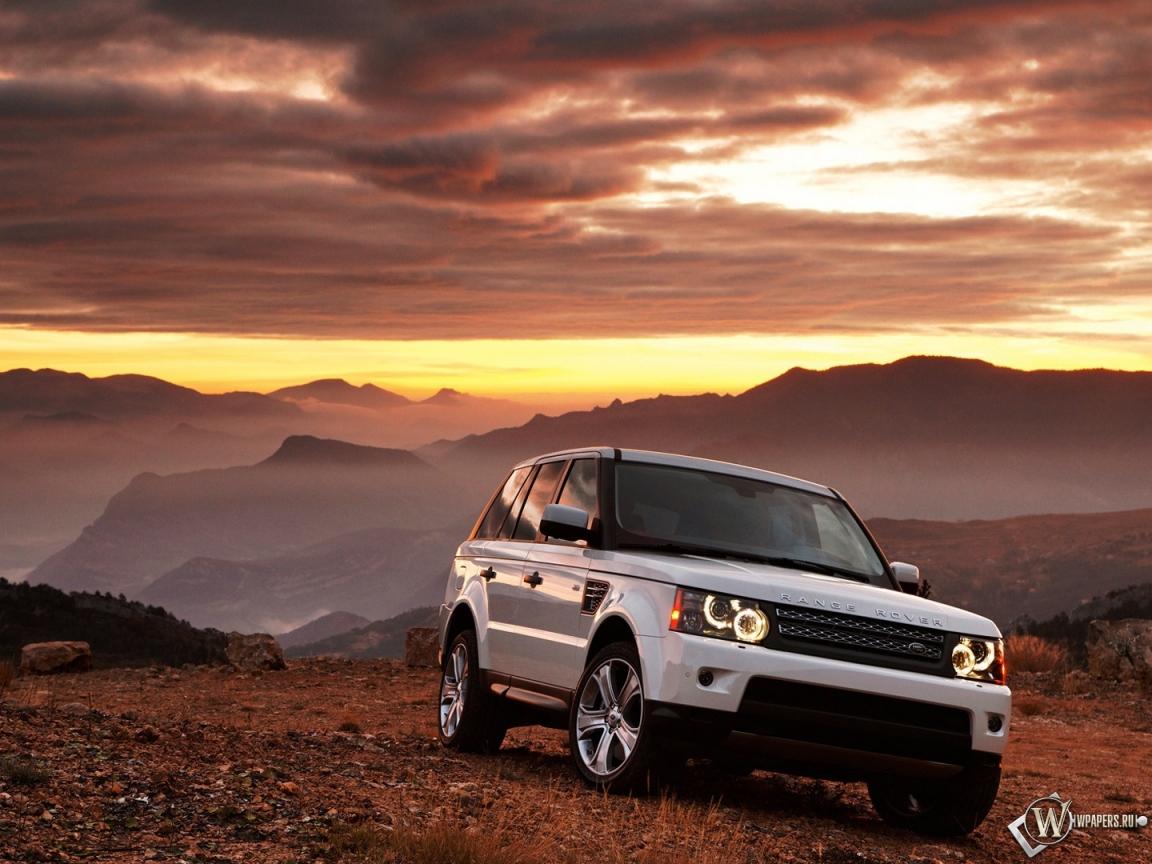 Белый Range Rover 1152x864